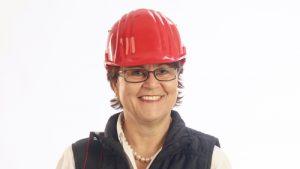 Angelika Albrecht mit rotem Helm