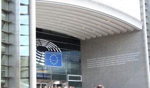 Vor dem Europäischen Parlament in Brüssel